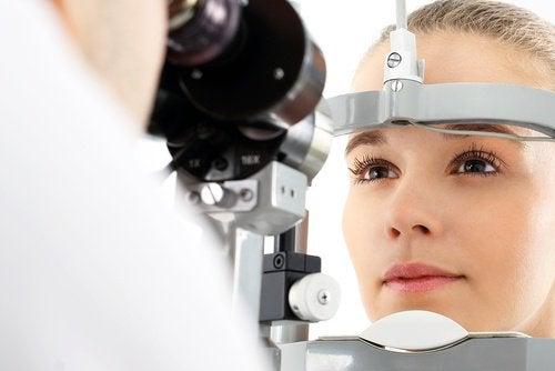 cum să tratezi vederea în diabet curgerea nasului a căzut vederea
