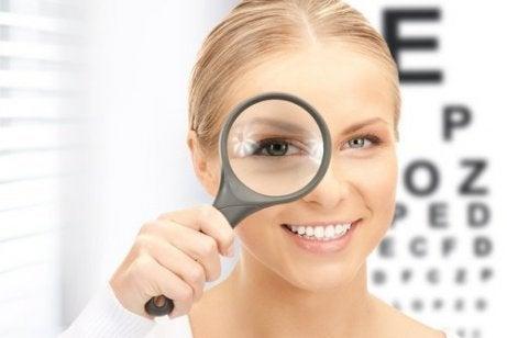 exerciții pentru antrenarea vederii ochilor gimnastica de vârstă hipermetropie