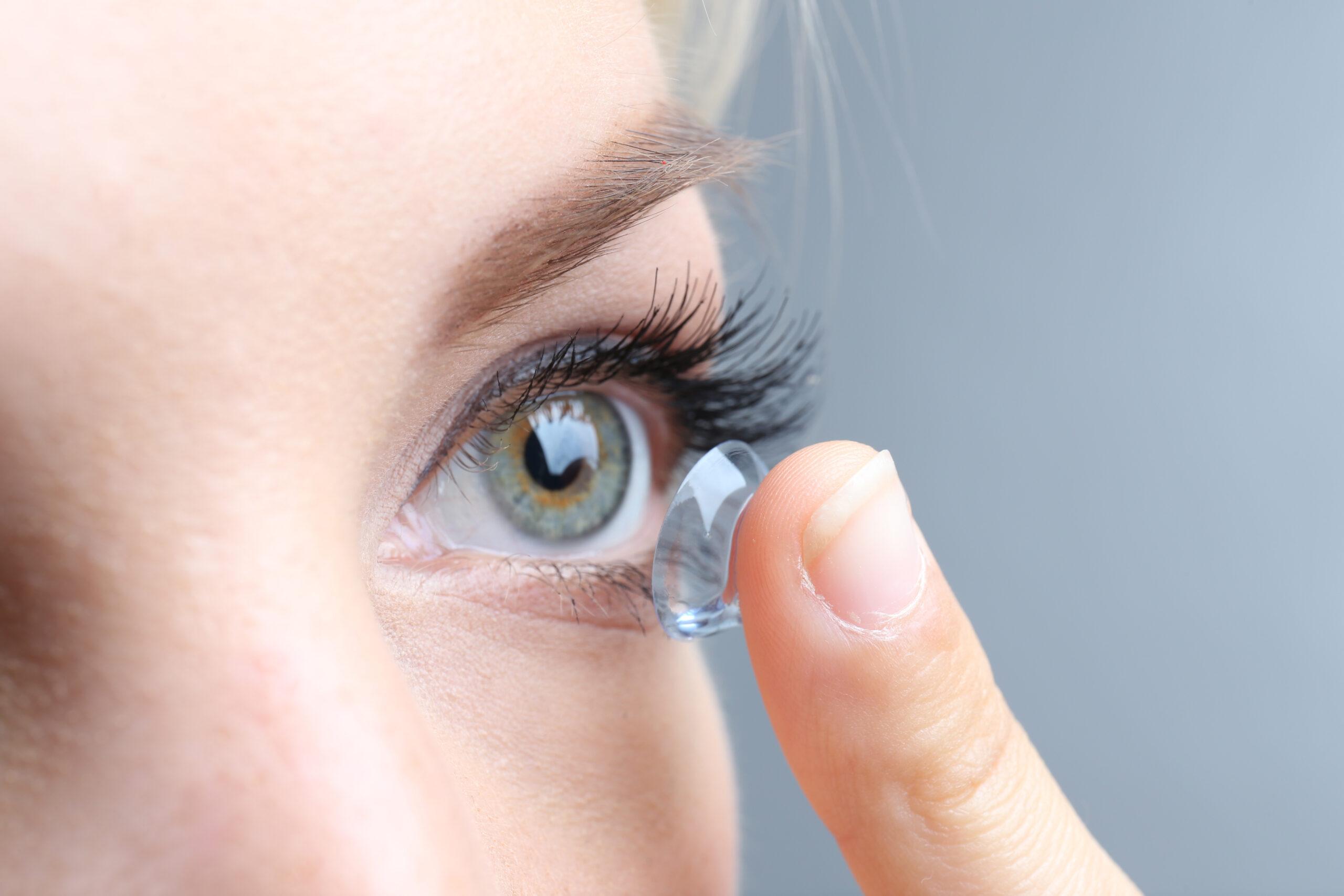 Lentile de culoare pentru ochi fără corecție a vederii