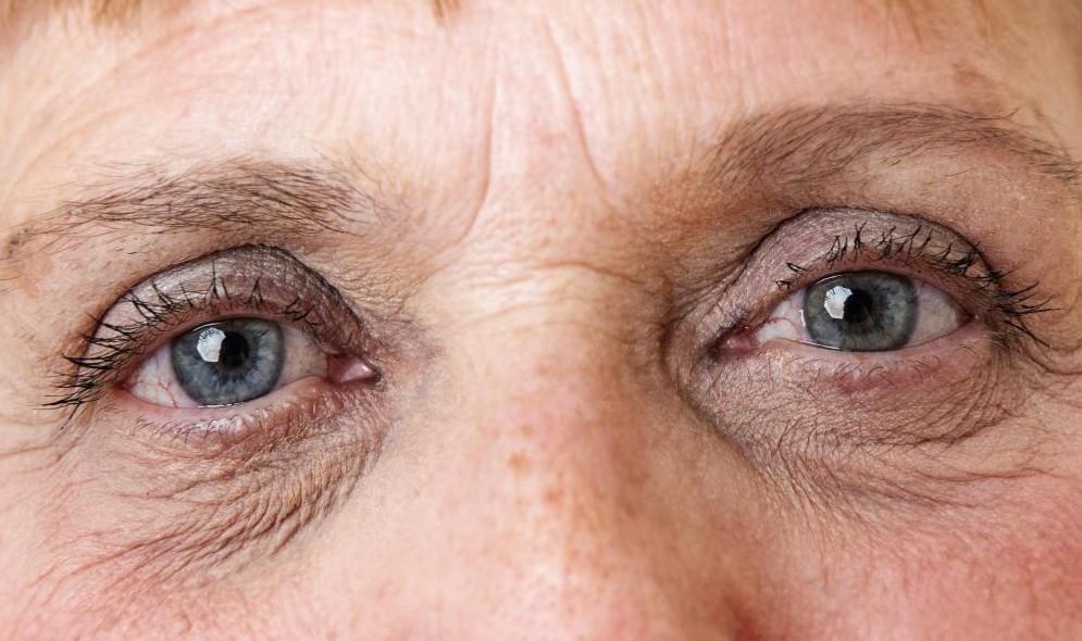 probleme de vedere la bătrânețe