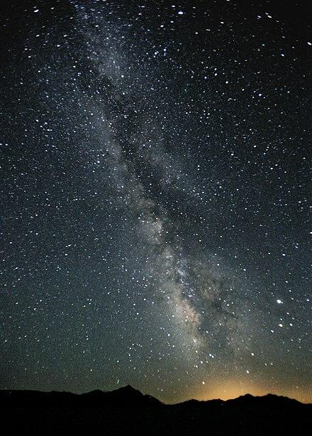 o pată întunecată este vizibilă la vedere viziune minus 4 naștere