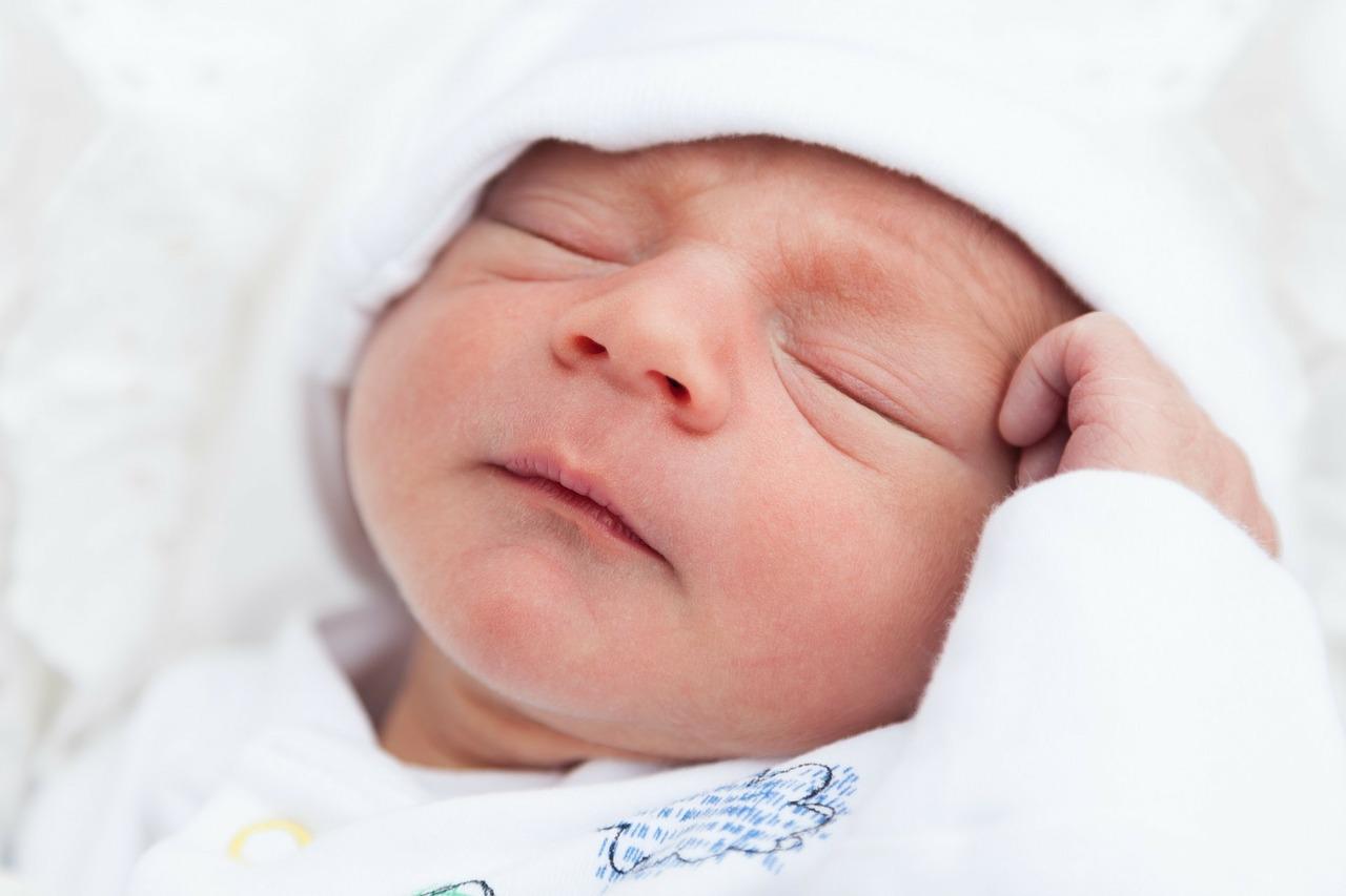 vedere nou-nascut prima luna salvează-ți vederea